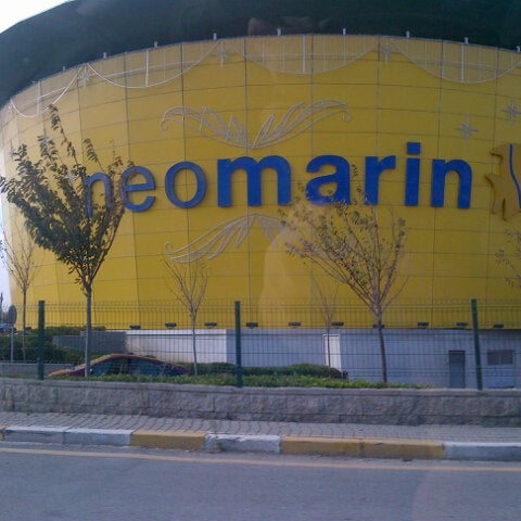 Foto diambil di Neomarin oleh SEZGİN K. pada 11/20/2012