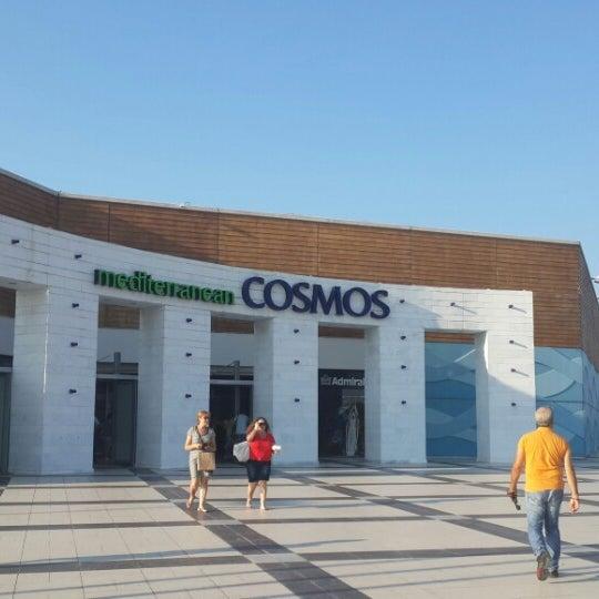 Foto tomada en Mediterranean Cosmos por Michalis M. el 7/29/2013