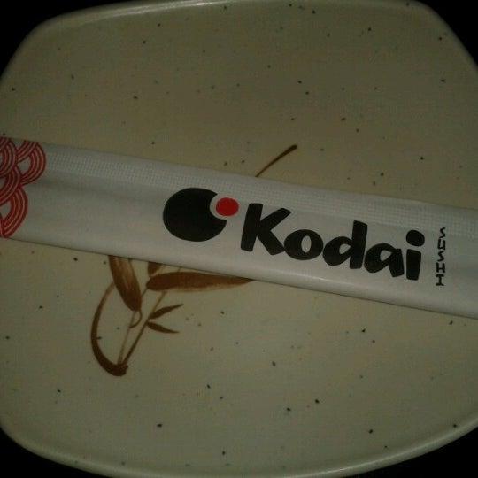 Foto tirada no(a) Kodai Sushi por Pâm M. em 1/12/2013