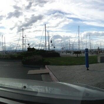 Photo prise au Seattle Sailing Club par Zach K. le8/25/2013