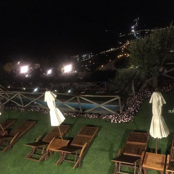 Foto diambil di Hotel Palazzo Avino oleh Dana A. pada 8/21/2018