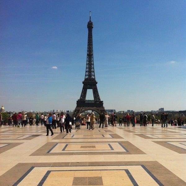 Photo prise au Place du Trocadéro par Nina K. le4/24/2013