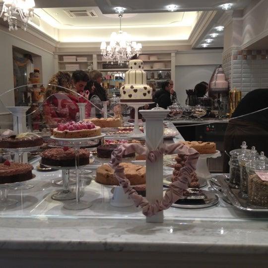Das Foto wurde bei Antonella Dolci e Caffé von Valentina S. am 11/1/2012 aufgenommen