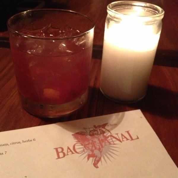 Photo prise au Bacchanal Wine par Amy W. le4/14/2013