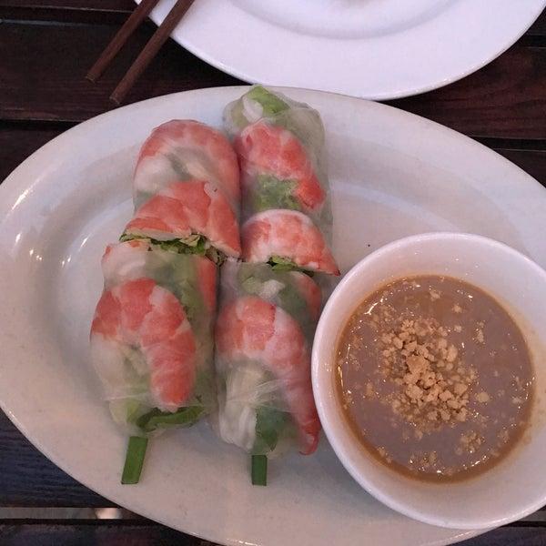 Das Foto wurde bei Falansai Vietnamese Kitchen von Vonatron L. am 6/4/2017 aufgenommen