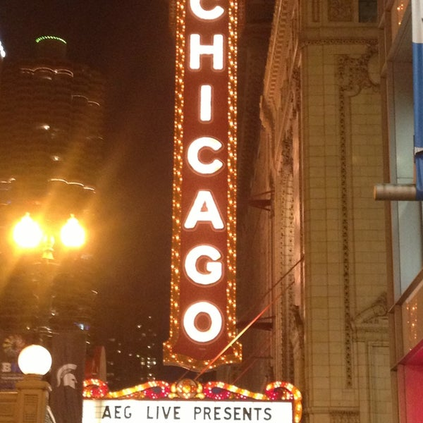 Foto scattata a The Chicago Theatre da Alison L. il 3/14/2013