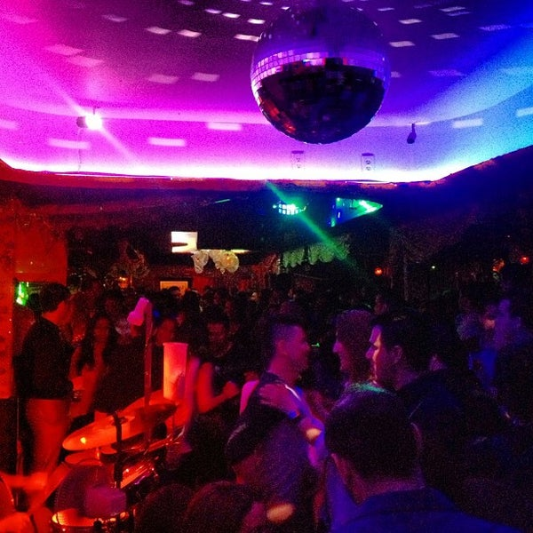 รูปภาพถ่ายที่ Tantra Lounge โดย DJCASPERNYC .. เมื่อ 4/28/2013