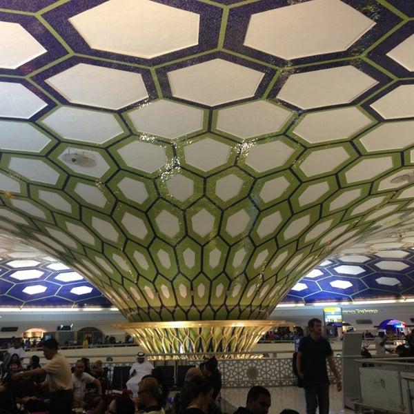 Photo prise au Abu Dhabi International Airport (AUH) par Olesya . le6/30/2013