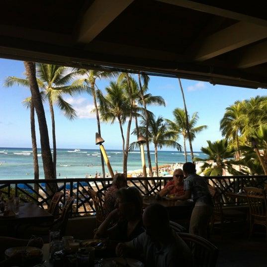10/12/2012 tarihinde Stephanie A.ziyaretçi tarafından Hula Grill'de çekilen fotoğraf