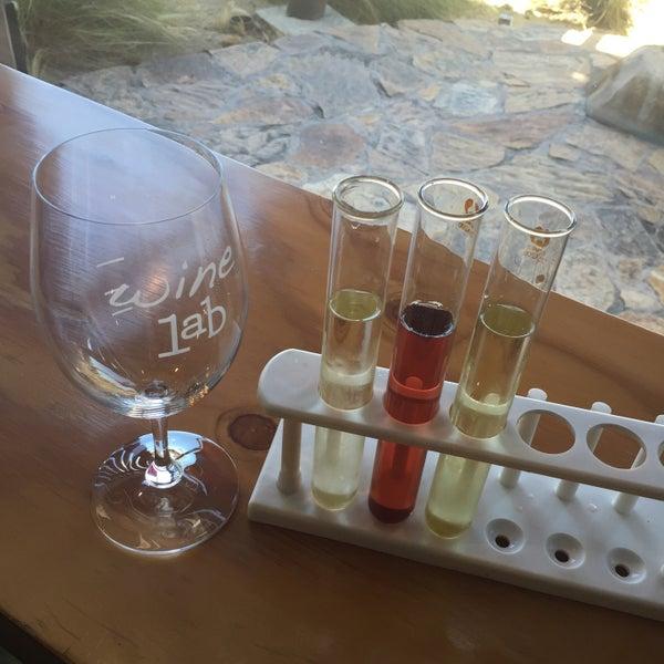 Foto diambil di Wine Lab oleh Julie G. pada 7/23/2016