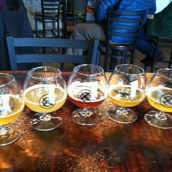 12/27/2012에 Daryle D.님이 Black Bottle Brewery에서 찍은 사진