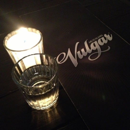 รูปภาพถ่ายที่ Mezcaleria Vulgar โดย Rulo C. เมื่อ 11/9/2012
