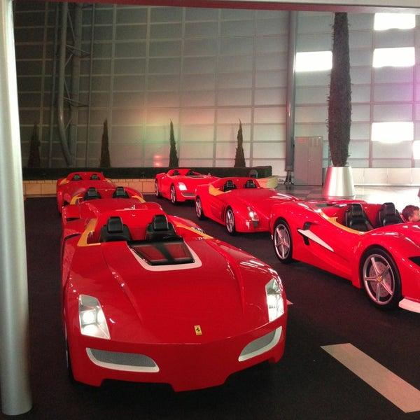 Foto tomada en Ferrari World Abu Dhabi por Stella I. el 1/27/2013