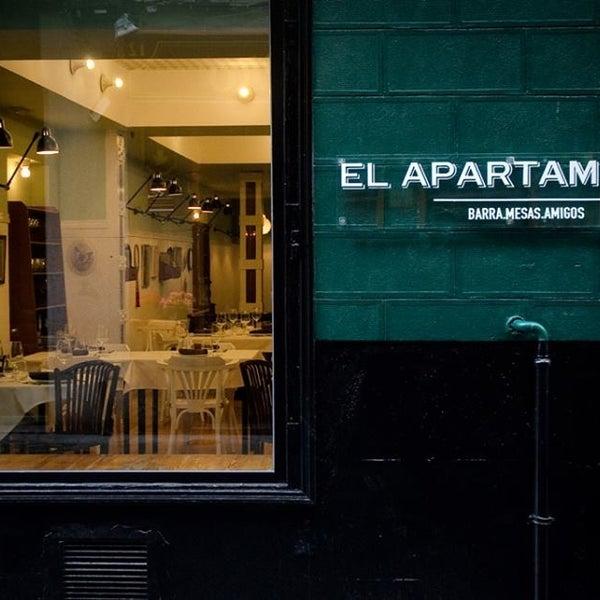 6/21/2013 tarihinde Paco R.ziyaretçi tarafından El Apartamento'de çekilen fotoğraf