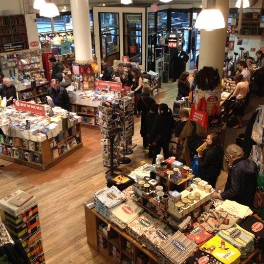 Das Foto wurde bei Strand Bookstore von Takanori M. am 12/17/2012 aufgenommen