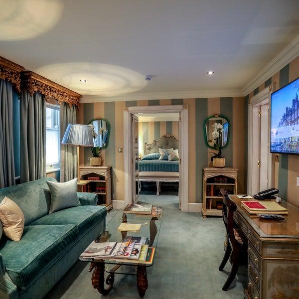 4/9/2018にSUPERADRIANMEがThe Milestone Hotelで撮った写真