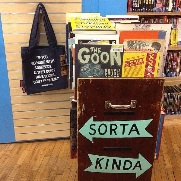 Foto scattata a Strand Bookstore da Vanya T. il 4/2/2014