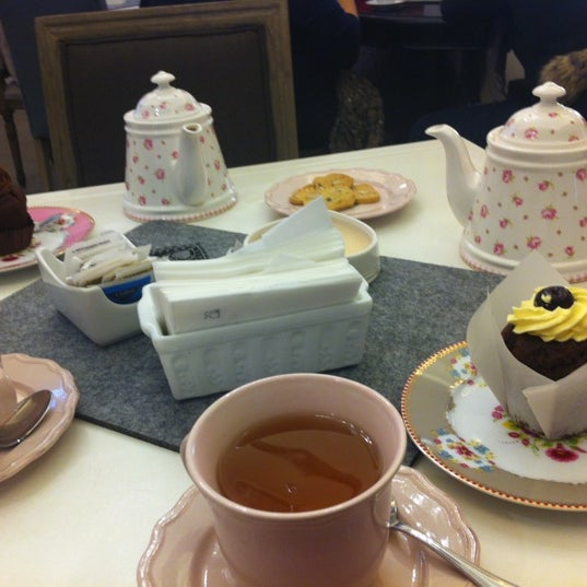 Das Foto wurde bei Antonella Dolci e Caffé von Valentina F. am 12/12/2012 aufgenommen