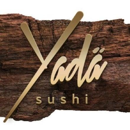 รูปภาพถ่ายที่ Yada Sushi โดย Teri R. เมื่อ 9/7/2013