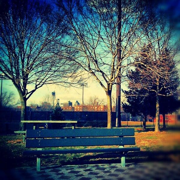 Hookup New Baldwin Park: Red Hook Recreation Area