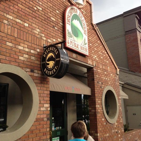 Снимок сделан в Deschutes Brewery Bend Public House пользователем Jason B. 5/10/2013