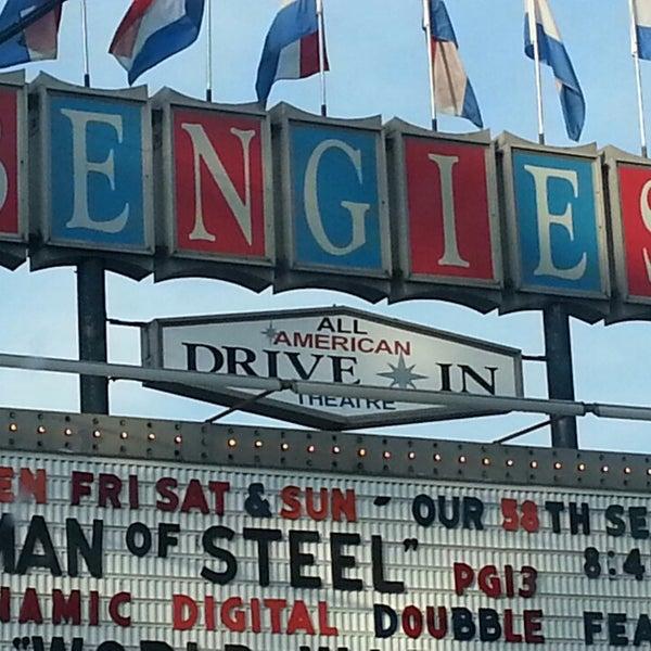 Снимок сделан в Bengies Drive-in Theatre пользователем Diane D. 6/22/2013