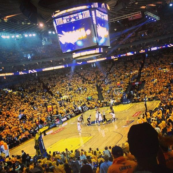 รูปภาพถ่ายที่ Oakland Arena โดย Kurtis Lee H. เมื่อ 5/17/2013