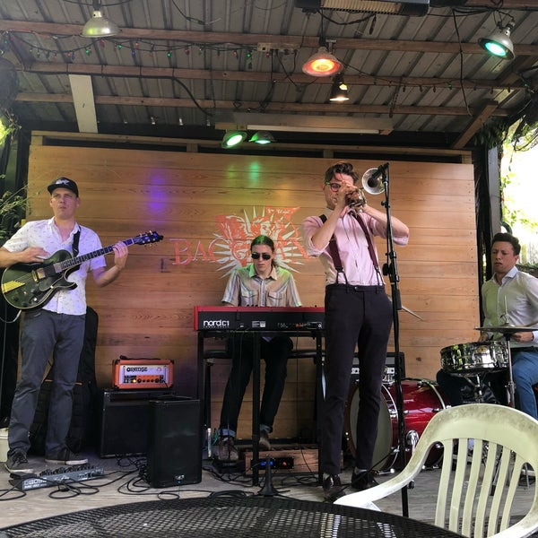Photo prise au Bacchanal Wine par Carlos J. le6/23/2019