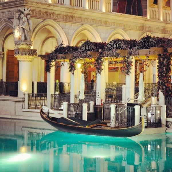 Foto tirada no(a) Venetian Resort & Casino por Bahaa 👑📷 em 6/9/2013