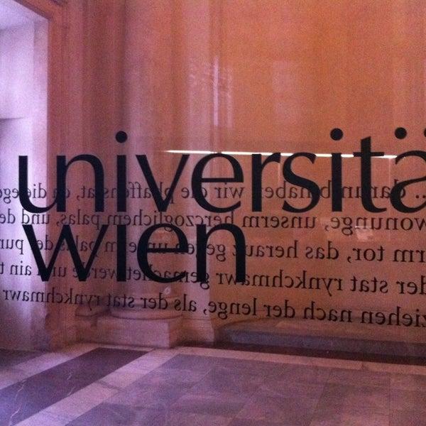 Foto tomada en Universität Wien por 🎀Sema A. el 1/14/2013