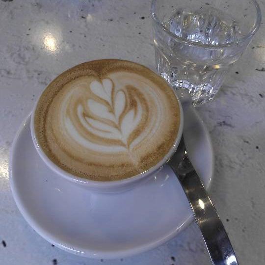 9/20/2012에 Gábor L.님이 Tamp & Pull Espresso Bar에서 찍은 사진