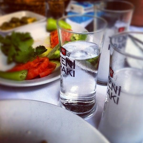 รูปภาพถ่ายที่ Endülüs Meyhanesi โดย Ugur เมื่อ 9/20/2013