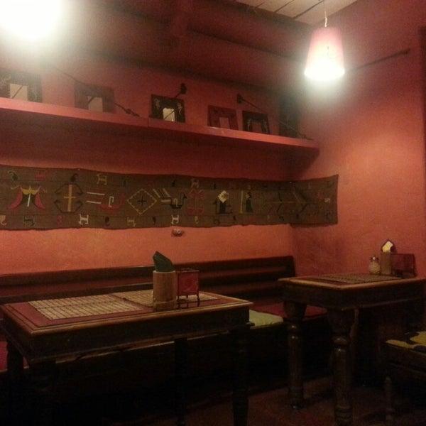 Снимок сделан в Кофейня «Кардамон» и лавка «Коллекция Пустяков» пользователем Maria G. 6/1/2013
