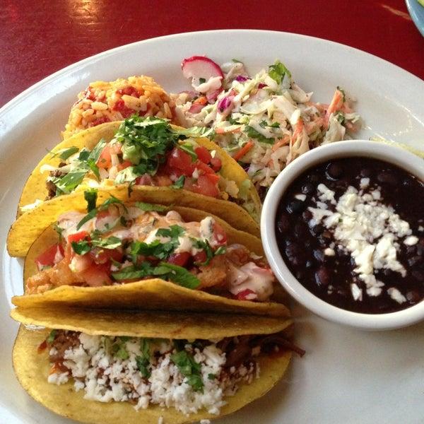 Foto scattata a Paco's Tacos & Tequila da Shammara H. il 1/24/2013