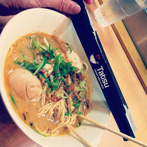 Foto tomada en Tatsu Ramen por Benjamin B. el 11/30/2012
