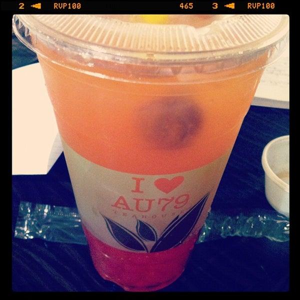 Foto scattata a AU 79 Tea House da Benjamin B. il 10/17/2012