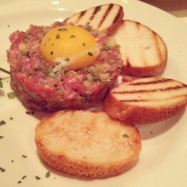 3/6/2014에 Naakai A.님이 Angus Club Steakhouse에서 찍은 사진