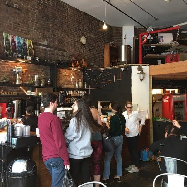 10/14/2017にAdil I.がTaszo Espresso Barで撮った写真