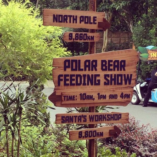 Foto tirada no(a) Singapore Zoo por Ken C. em 6/9/2013
