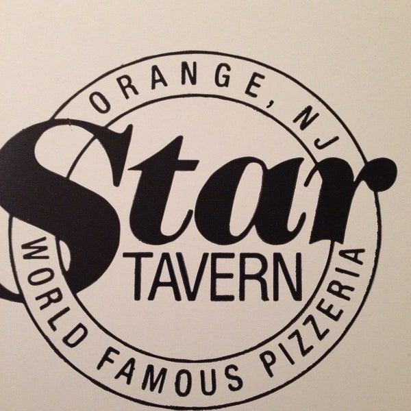 รูปภาพถ่ายที่ Star Tavern Pizzeria โดย Jim S. เมื่อ 12/23/2014