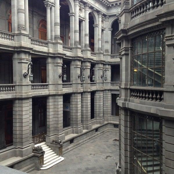 6/23/2013 tarihinde Liliana R.ziyaretçi tarafından Museo Nacional de Arte (MUNAL)'de çekilen fotoğraf