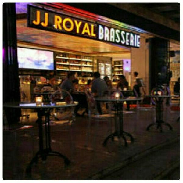 4/18/2016 tarihinde Mölek T.ziyaretçi tarafından JJ Royal Brasserie'de çekilen fotoğraf