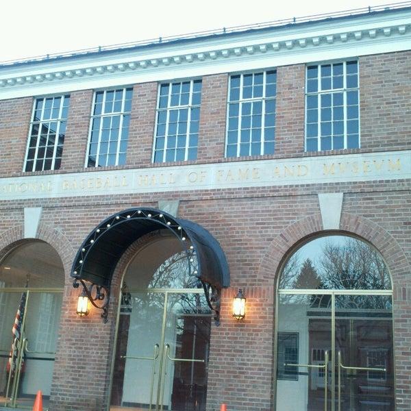 3/27/2013 tarihinde Melissa H.ziyaretçi tarafından National Baseball Hall of Fame and Museum'de çekilen fotoğraf