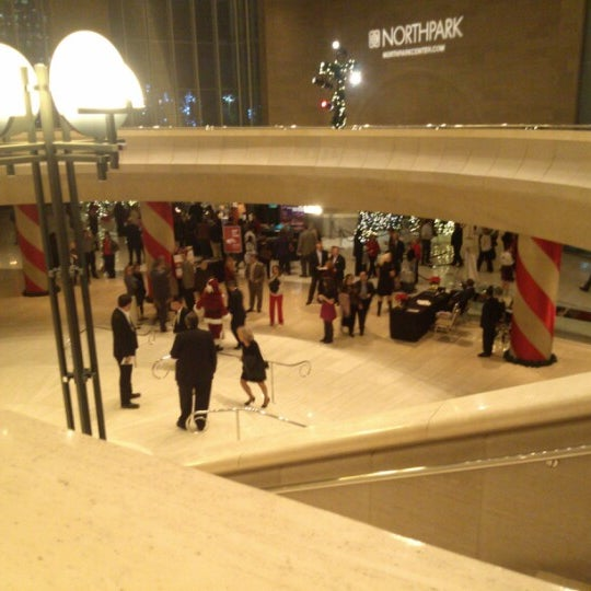 Foto tirada no(a) Morton H. Meyerson Symphony Center por Jeff E. em 12/19/2012