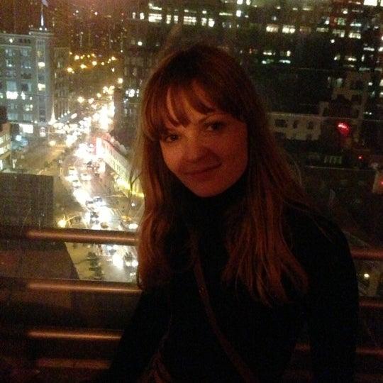 Foto scattata a Plunge Rooftop Bar & Lounge da Ron Z. il 12/14/2012