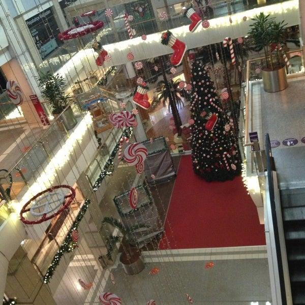 Foto tomada en Spectrum Cineplex por Melek O. el 12/28/2012