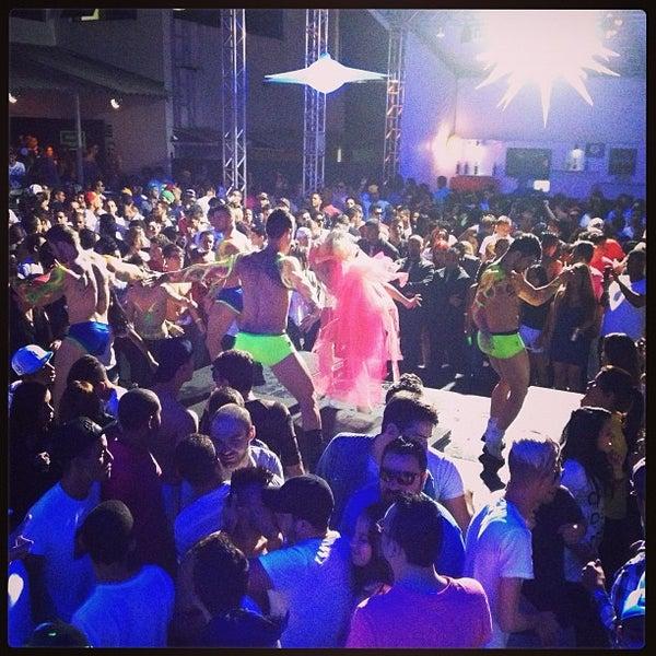 Foto diambil di Flexx Club oleh Israel L. pada 4/28/2013