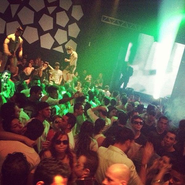 Foto diambil di Flexx Club oleh Israel L. pada 7/21/2013