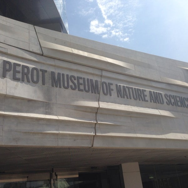 Foto tirada no(a) Perot Museum of Nature and Science por Lesley H. em 7/11/2013