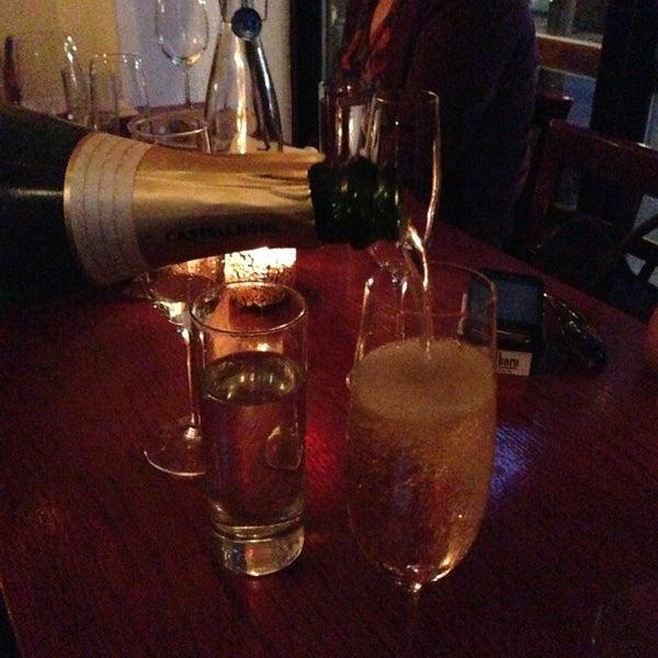 6/13/2013にJoey G.がThe Tangled Vine Wine Bar & Kitchenで撮った写真